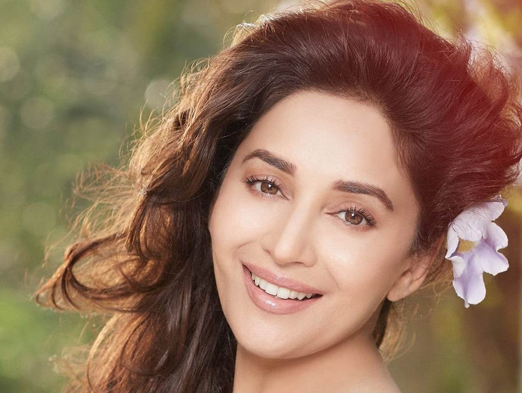 Madhuri-Dixit-young-hd-wallpapers