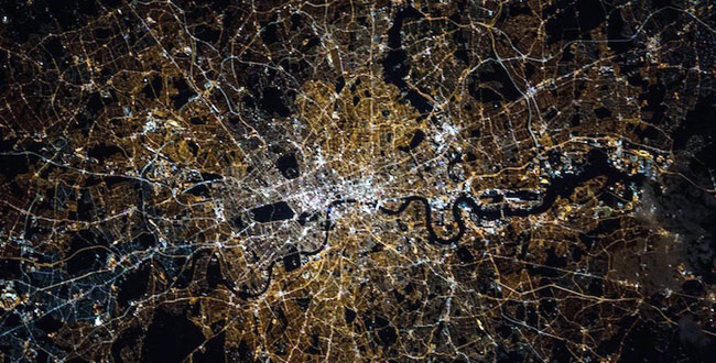 london-at-night_650_060116113538