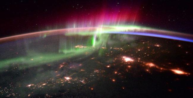 the-aurora-borealis_060116113538