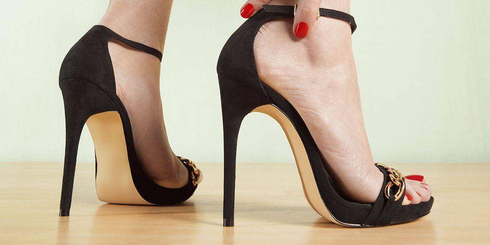 635753805684673233-418810443_high heels