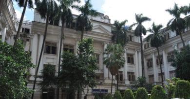 কলকাতা বিশ্ববিদ্যালয়ে প্রশ্নবিভ্রাট, বাতিল পরীক্ষা